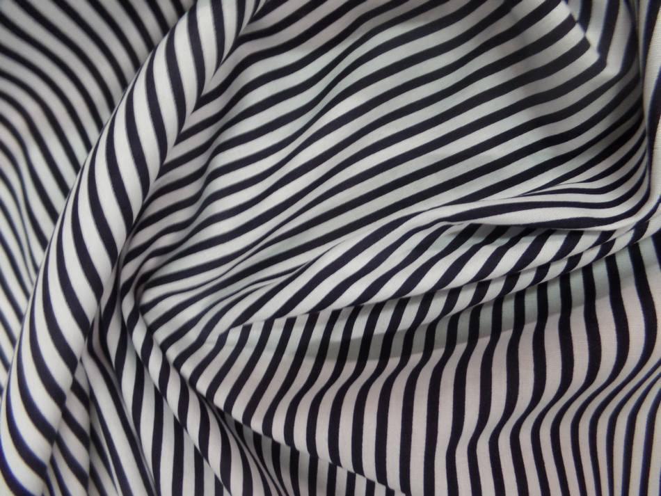 Tissu popeline coton blanc a rayure noire