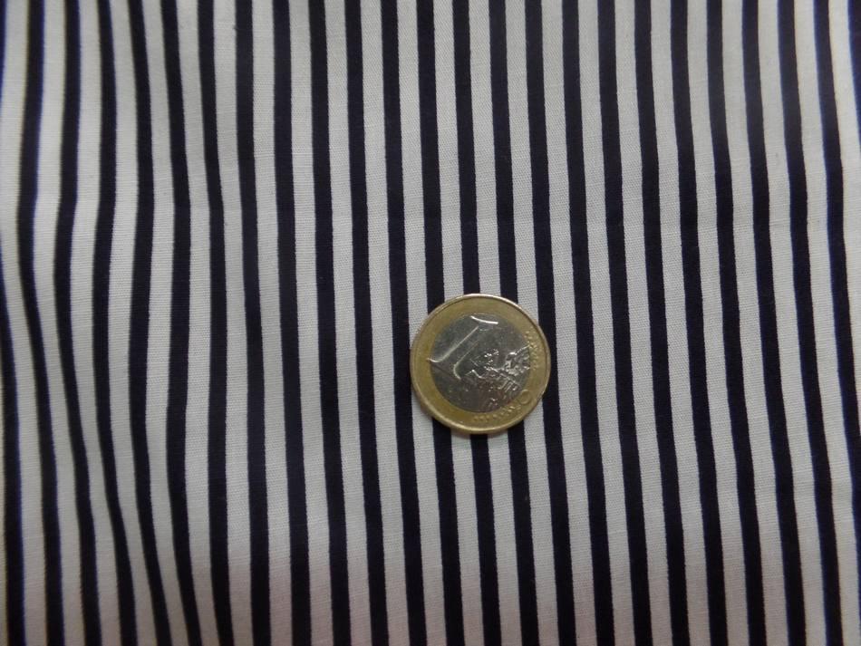 Tissu popeline 110 gr 120 fils coton blanc a rayure noire