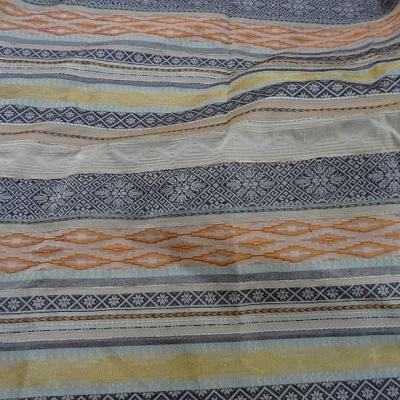 Tissu taffetas motif frises terre et ocres 1