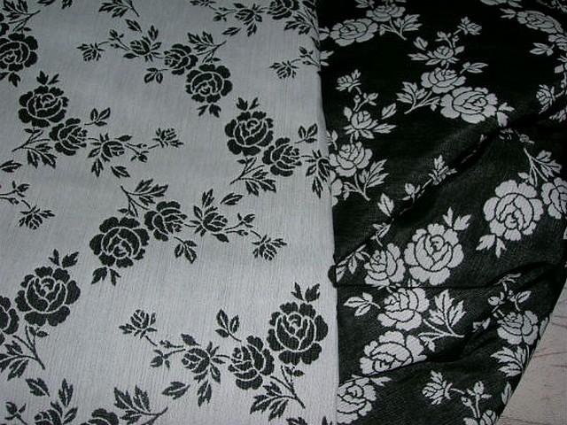 Tissu tapissier damasse noir blanc fleuri 3