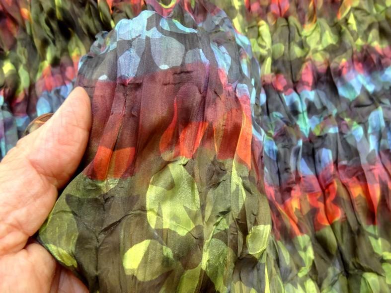Tissu voile fin froisse cloque fleuri teintes en camaieux 2