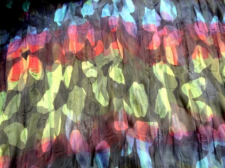 Tissu voile fin froisse cloque fleuri teintes en camaieux 3