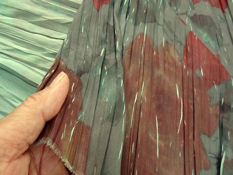 Tissu voile froisse plisse grosses fleurs 3