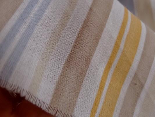 Toile coton rayée beige-ocre-bleu ciel-rouge 03