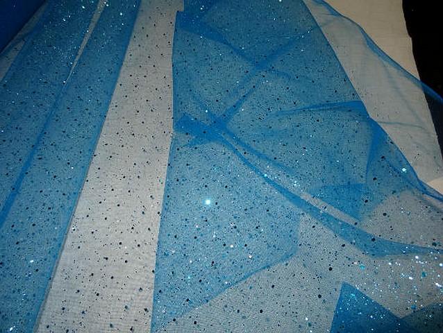 Tulle bleu azur a paillettes
