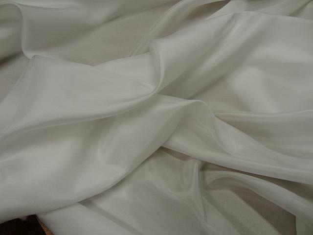 Twill de soie blanc casse 1