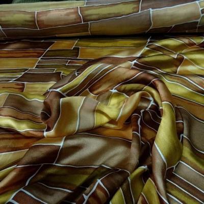 Twill de soie motif graphique vintage teintes automne 2 1
