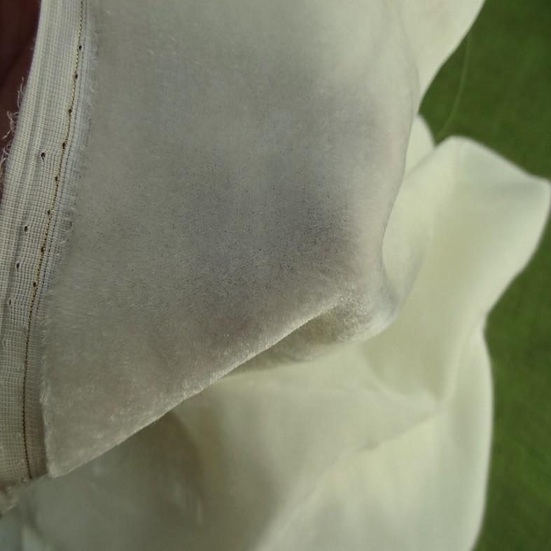 Velours de soie teinte ecru 1