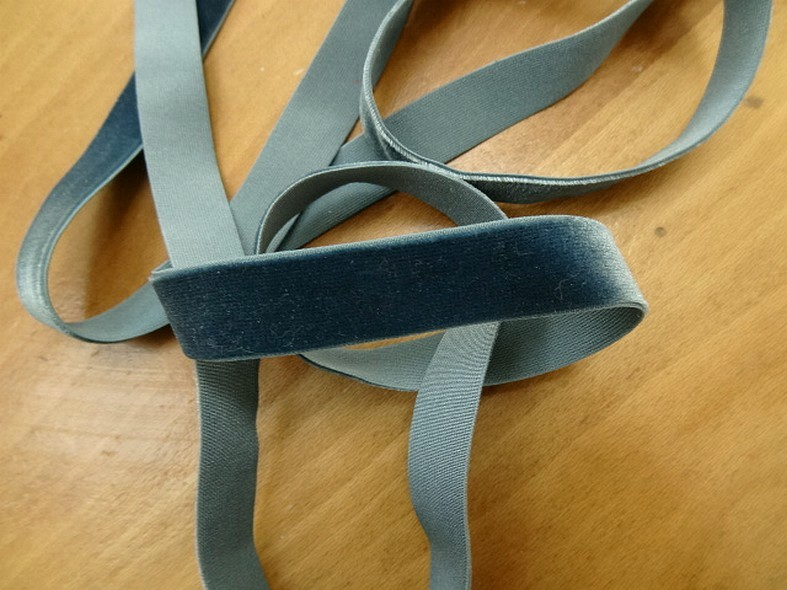 Velours elastique plat bleu petrole 15 mm