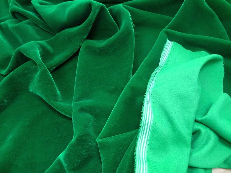 Velours micro fibre vert emeraude 4