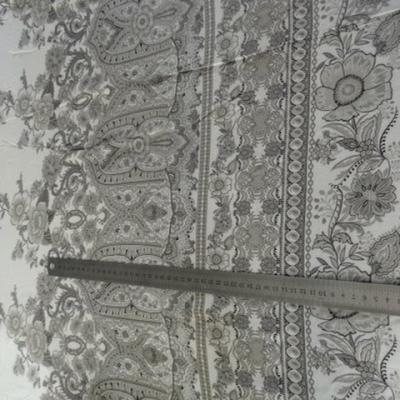 Viscose coton blanc et motifs taupe 01