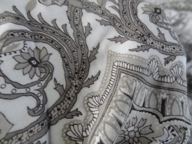 Viscose coton blanc et motifs taupe 03