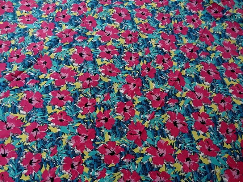 Viscose fond jaune fleurie fuchsia et bleu vert 1