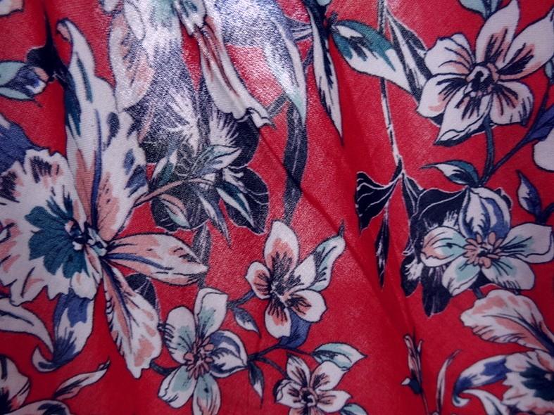 Viscose fond rubis fleurs bleu canard 3