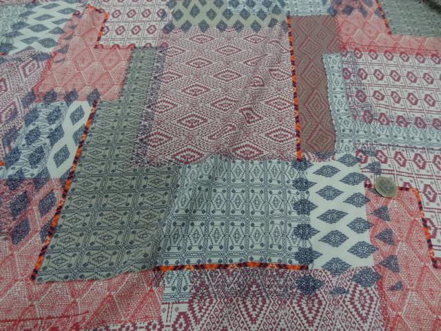 Viscose motif patchwork ethnique rose 1