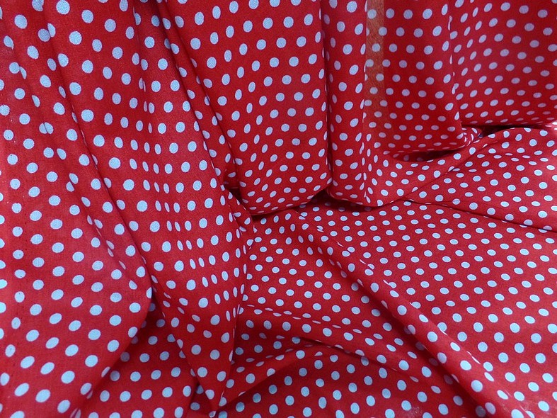 Viscose rouge pois blancs pin up 2
