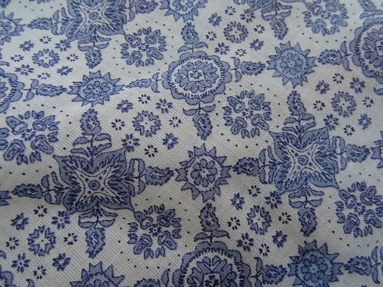 Voile de coton blanc motif bleu type provence 3