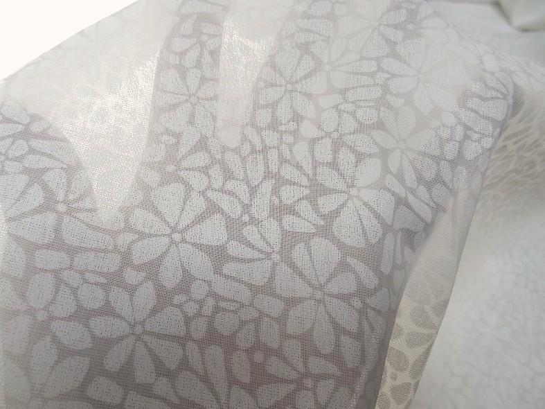 Voile de coton devore semi transparent blanc casse a fleurs 3