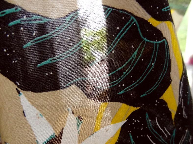 Voile de coton fond beige fleurs etoiles 1