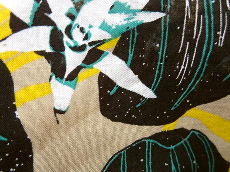 Voile de coton fond beige fleurs etoiles 2