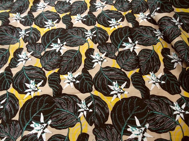 Voile de coton fond beige fleurs etoiles 3