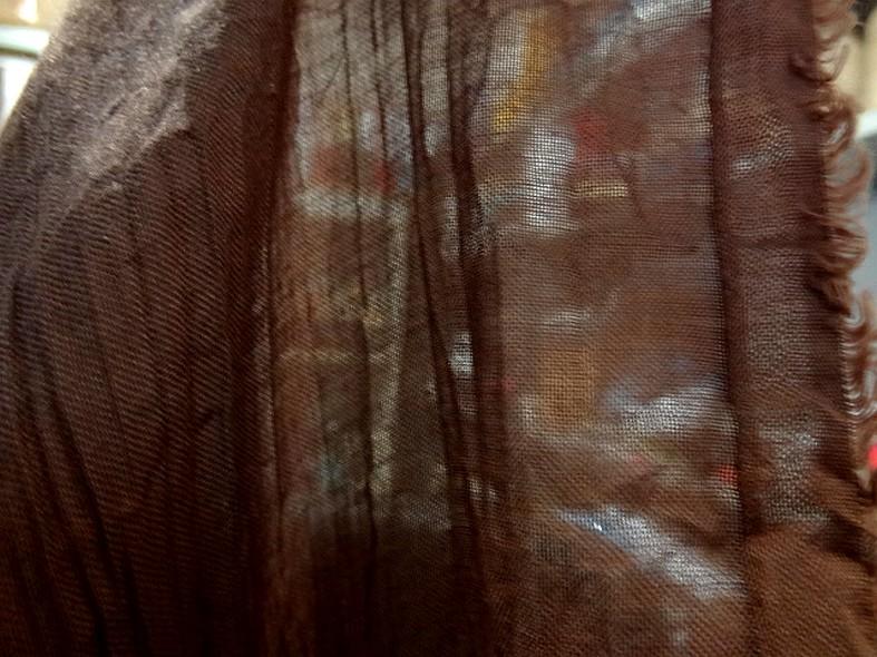 Voile de coton froisse plisse acajou