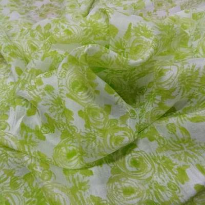 Voile de soie satine blanc vert lime 1