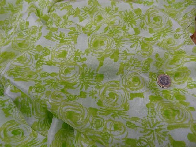 Voile de soie satine blanc vert lime 2