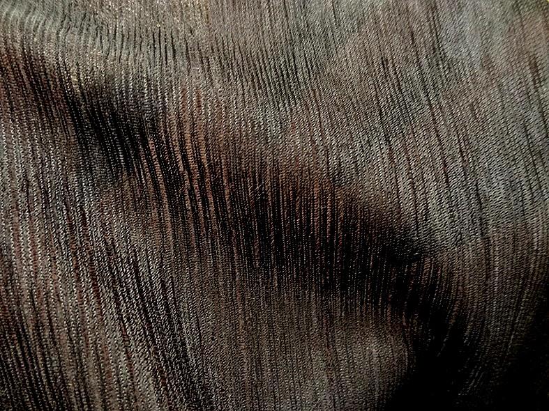 Voile polyester noir finement plisse 2