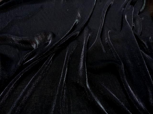 Voile polyester noir plisse a reflets 2