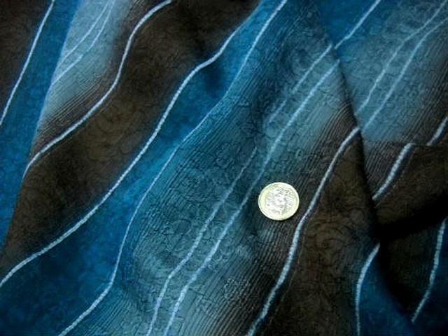 Voile rayures en camaieu de bleus et marrons faconne 1