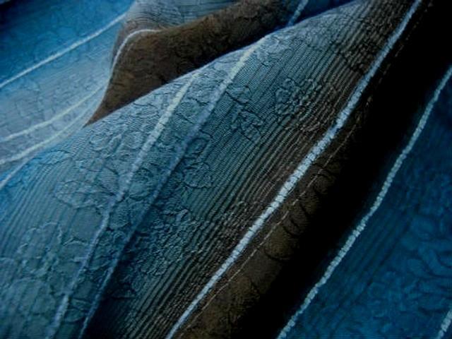Voile rayures en camaieu de bleus et marrons faconne 2