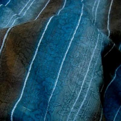 Voile rayures en camaieu de bleus et marrons faconne 3
